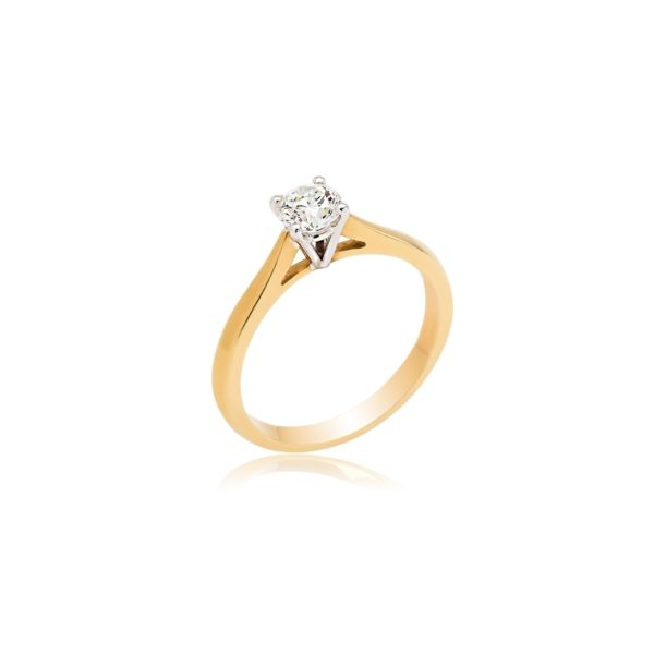 18ct Yellow gold diamond solitaire ring.