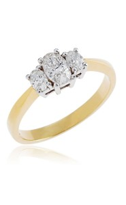 18ct Yellow gold oval brilliant cut diamond 3 stone ring.