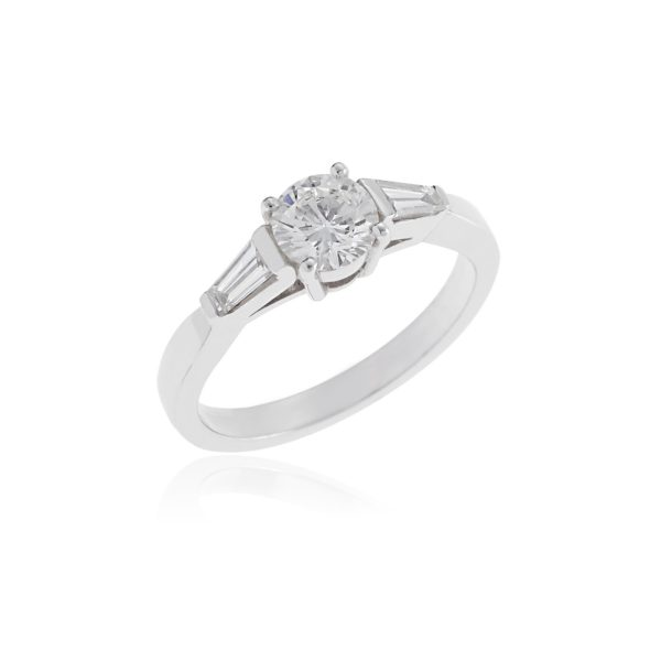 18ct White gold brilliant cut diamond ring