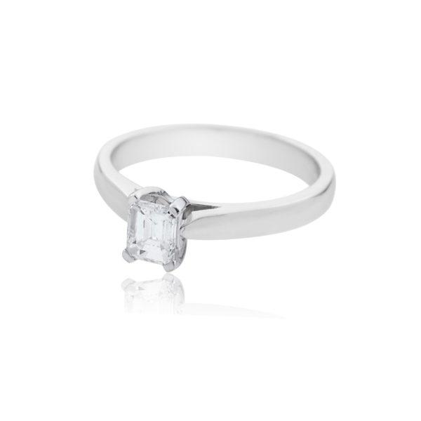 18ct White gold emerald cut solitaire diamond ring