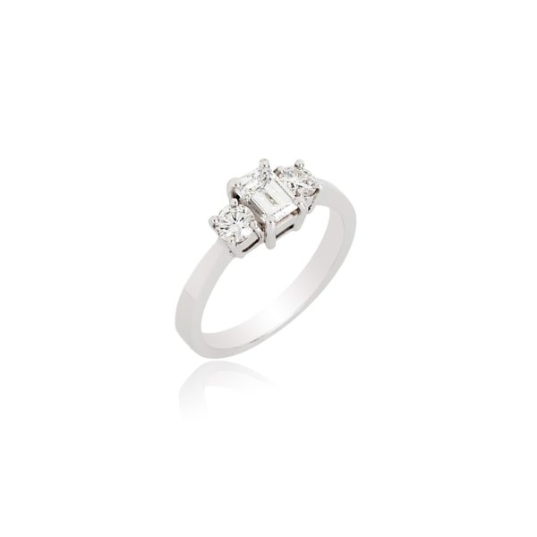 18ct White gold emerald cut & brilliant cut diamond 3 stone ring