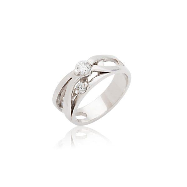 Platinum dress ring set with 3 brilliant cut diamonds