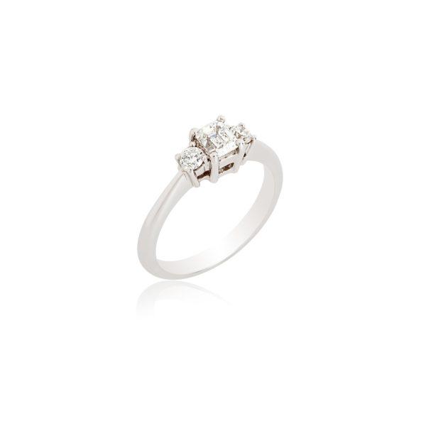 Platinum Emerald cut & brilliant cut diamond ring