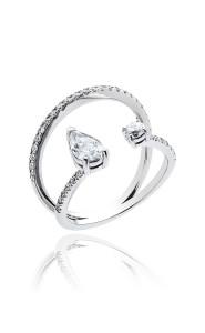 18ct White gold pear and brilliant cut diamond ring.
