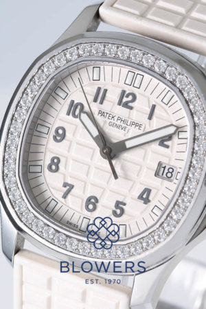 Patek Philippe ladies Aquanaut Luce 5067A-024