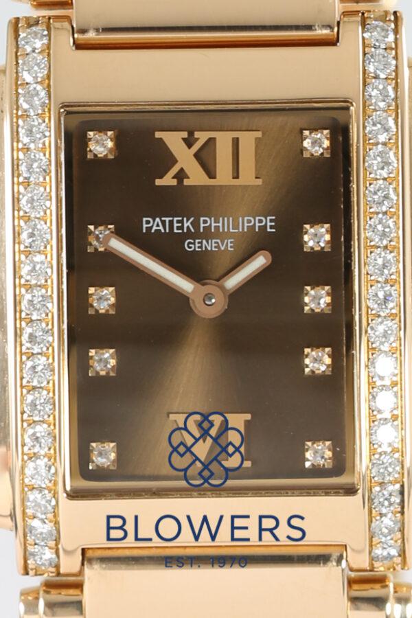 Patek Phillipe Twenty-Four 4910/11R-010