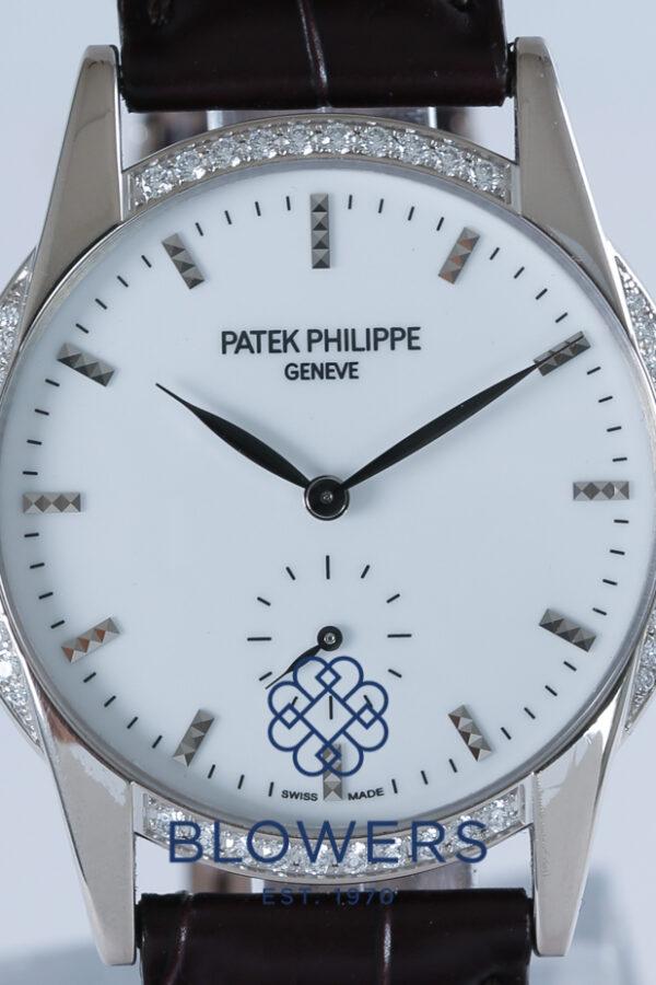Patek Philippe Ladies' Calatrava 7122/200G-001