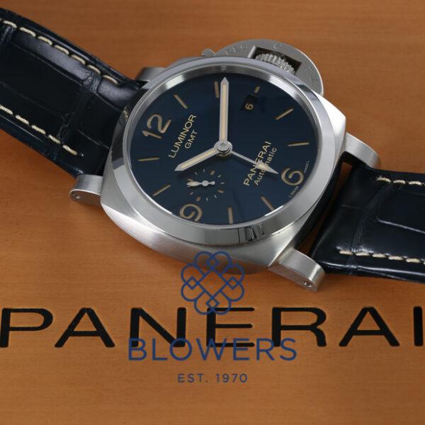 Panerai Luminor GMT PAM01033